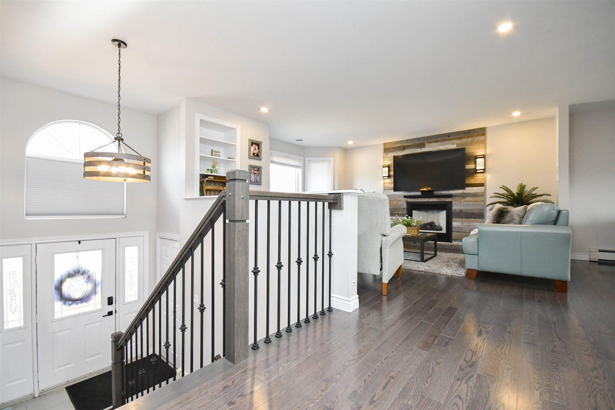 Photo 3: Photos: 17 Armstrong Court in Halifax: 5-Fairmount, Clayton Park, Rockingham Residential for sale (Halifax-Dartmouth)  : MLS®# 202105075