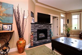 """Photo 7: 108 45893 CHESTERFIELD Avenue in Chilliwack: Chilliwack W Young-Well Condo for sale in """"The Willows"""" : MLS®# R2170192"""