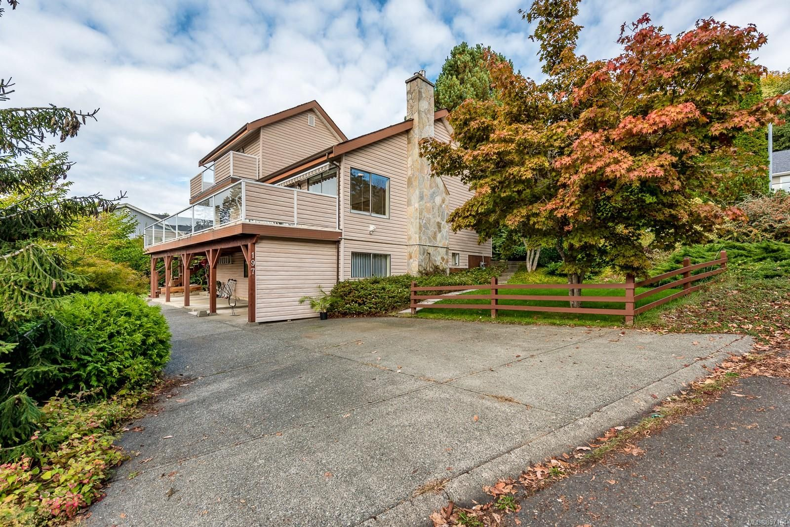 Main Photo: 197 Stafford Ave in : CV Courtenay East House for sale (Comox Valley)  : MLS®# 857164