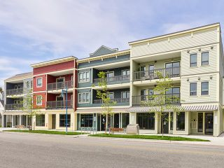 "Photo 4: 305 3755 CHATHAM Street in Richmond: Steveston Village Condo for sale in ""CHATHAM 3755"" : MLS®# R2509656"