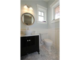 "Photo 3: 128 GLYNDE Avenue in Burnaby: Capitol Hill BN House for sale in ""CAPITOL HILL"" (Burnaby North)  : MLS®# V1052791"