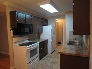 Photo 3: 104 33664 Marshall Road in Abbotsford: Condo for rent