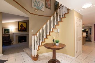 Photo 3: 16 PARKDALE Place in Port Moody: Heritage Mountain House for sale : MLS®# R2592314