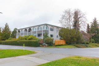 Photo 1: 304 2050 White Birch Rd in : Si Sidney North-East Condo for sale (Sidney)  : MLS®# 864202