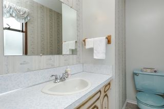 Photo 11: 3325 CARDINAL Drive in Burnaby: Government Road House for sale (Burnaby North)  : MLS®# R2157428