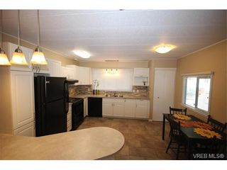 Photo 4: 31 2807 Sooke Lake Rd in VICTORIA: La Langford Proper Manufactured Home for sale (Langford)  : MLS®# 750038