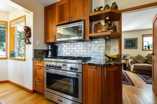 Photo 5: 1869 Fern Rd in : CV Courtenay North House for sale (Comox Valley)  : MLS®# 881523