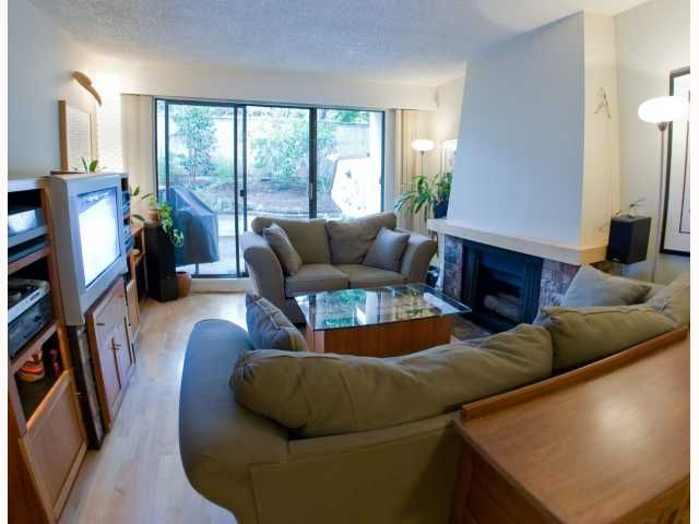 """Main Photo: 106 319 E 7TH Avenue in Vancouver: Mount Pleasant VE Condo for sale in """"SCOTIA PLACE"""" (Vancouver East)  : MLS®# V814641"""