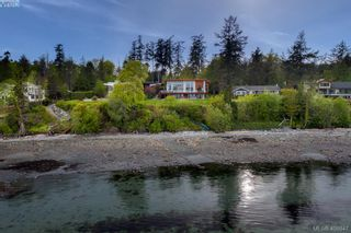 Photo 29: 8413 Lochside Dr in SAANICHTON: CS Island View House for sale (Central Saanich)  : MLS®# 812459