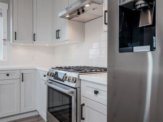 Photo 5: 6068 COWRIE Street in Sechelt: Sechelt District House for sale (Sunshine Coast)  : MLS®# R2623114