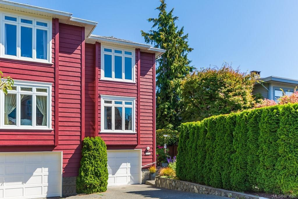 Main Photo: 217 RUSSELL St in : VW Victoria West Half Duplex for sale (Victoria West)  : MLS®# 871662