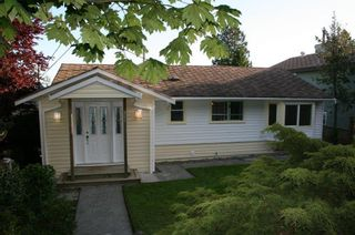 Photo 10: 15508 Royal Avenue in White Rock: Home for sale : MLS®# F1114436