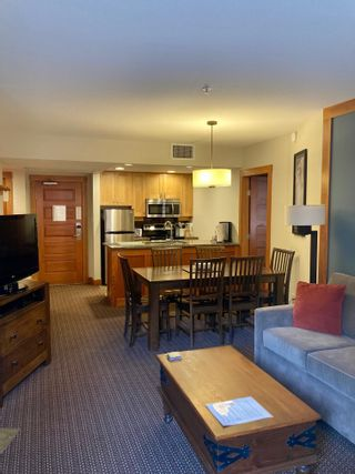 """Photo 4: 203A 2036 LONDON Lane in Whistler: Whistler Creek Condo for sale in """"LEGENDS"""" : MLS®# R2623208"""