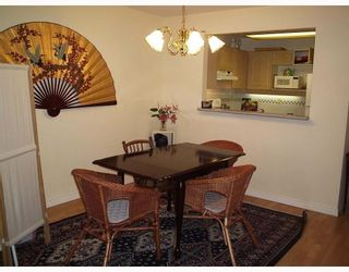 """Photo 2: 201 6707 SOUTHPOINT Drive in Burnaby: South Slope Condo for sale in """"MISSION WOODS"""" (Burnaby South)  : MLS®# V657317"""