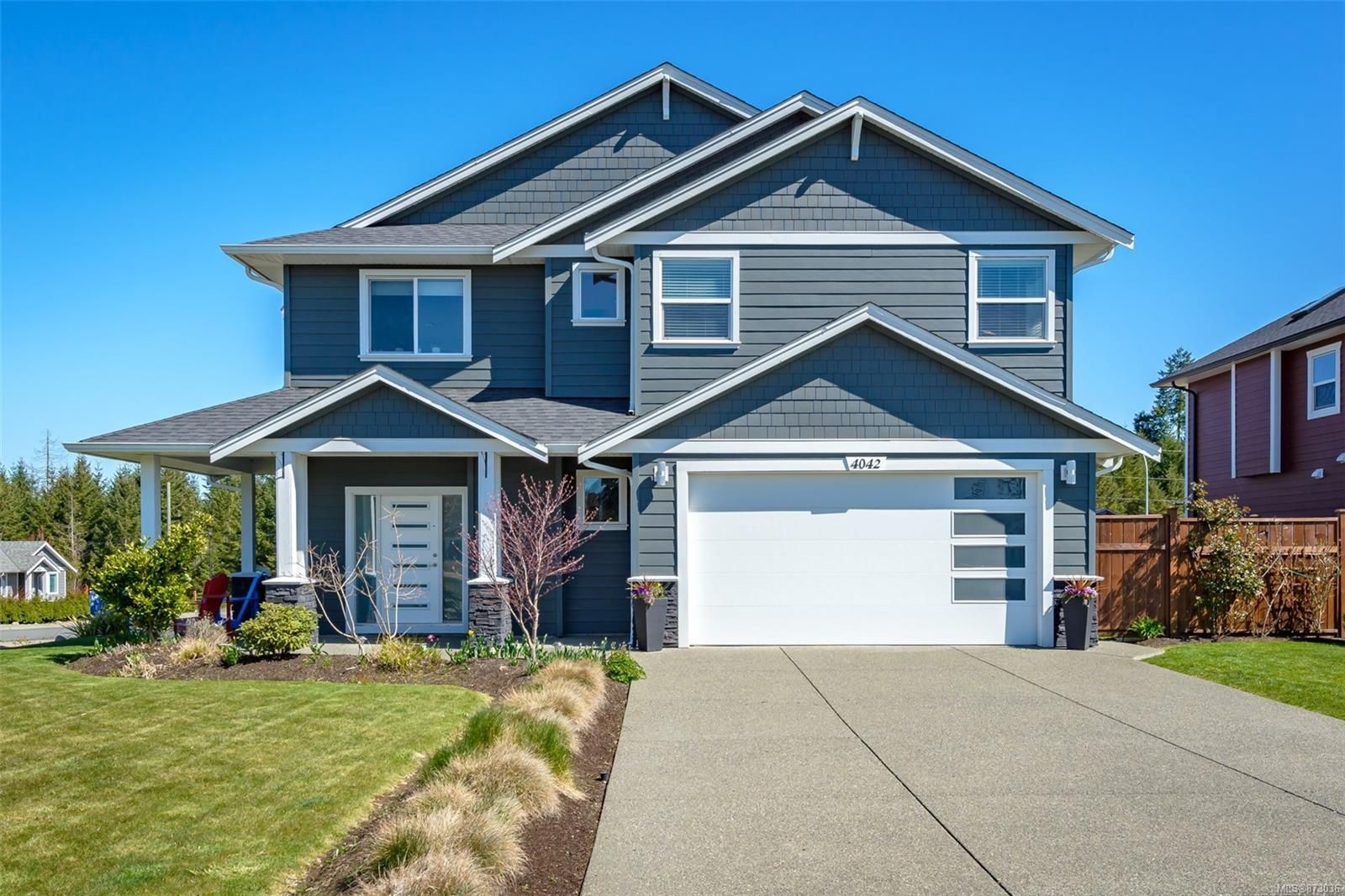 Main Photo: 4042 Southwalk Dr in : CV Courtenay City House for sale (Comox Valley)  : MLS®# 873036