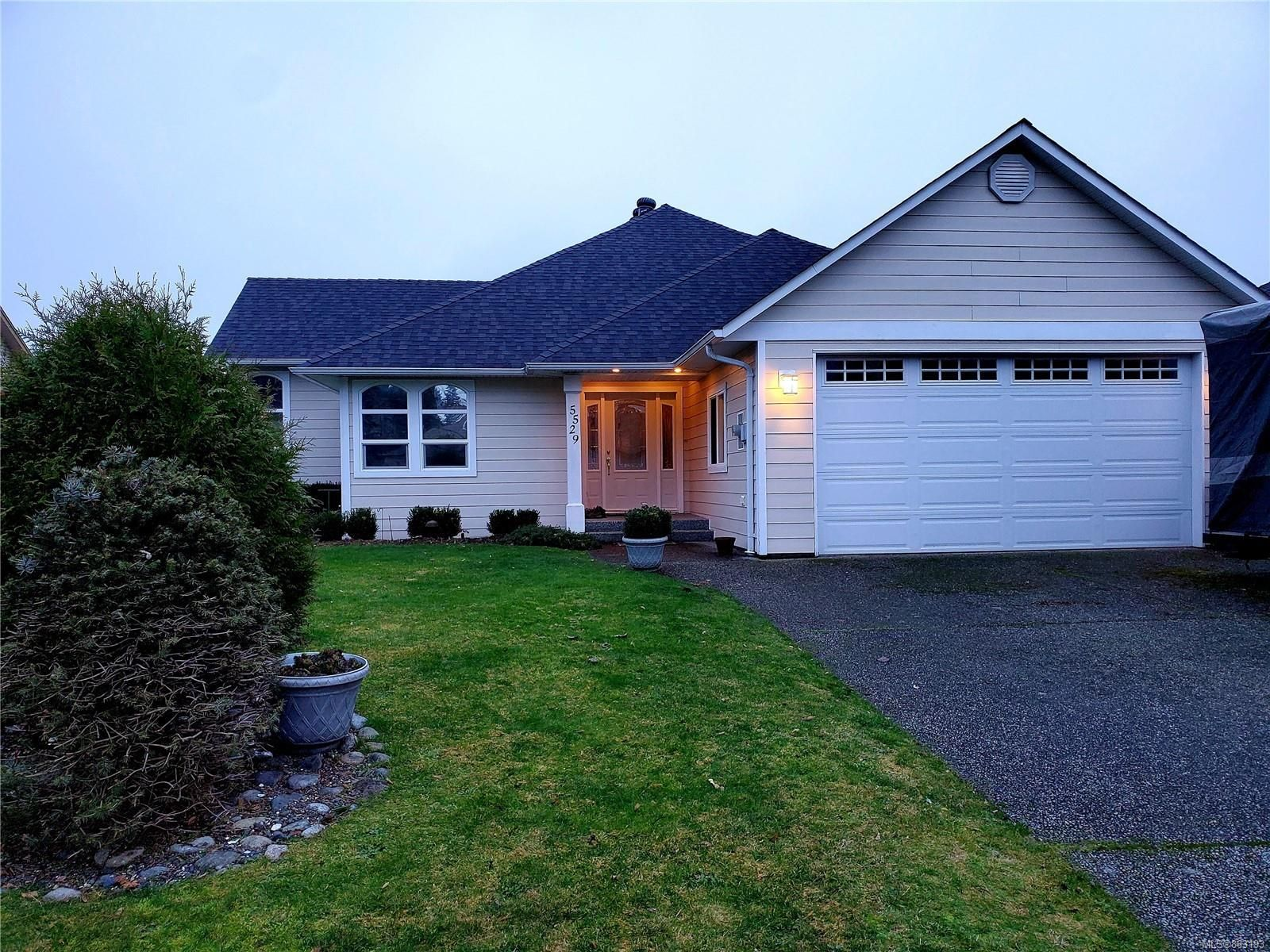 Main Photo: 5529 W Woodland Cres in : PA Port Alberni House for sale (Port Alberni)  : MLS®# 863193
