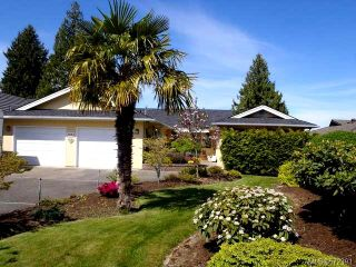 Photo 1: 1053 Eaglecrest Dr in QUALICUM BEACH: PQ Qualicum Beach House for sale (Parksville/Qualicum)  : MLS®# 572391