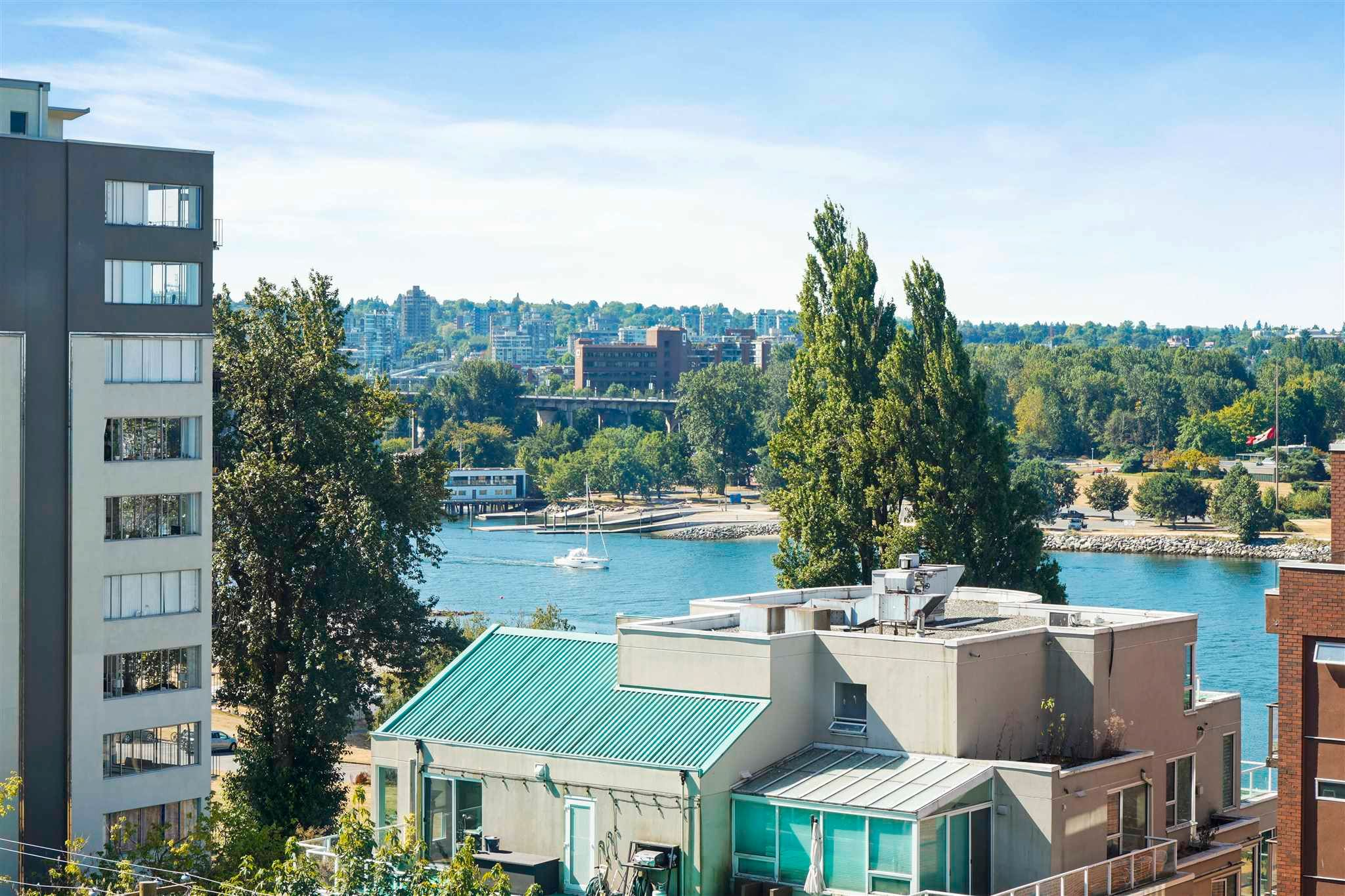 """Main Photo: 701 1436 HARWOOD Street in Vancouver: West End VW Condo for sale in """"HARWOOD HOUSE"""" (Vancouver West)  : MLS®# R2606000"""