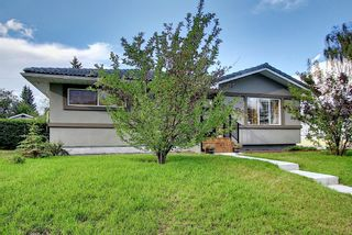 Photo 3: 24 Hyslop Drive SW in Calgary: Haysboro Detached for sale : MLS®# A1154443