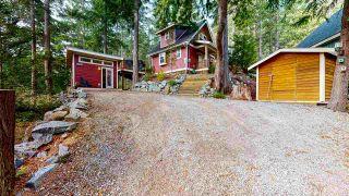"Photo 2: 13495 LEE Road in Garden Bay: Pender Harbour Egmont House for sale in ""Daniel Point"" (Sunshine Coast)  : MLS®# R2497322"