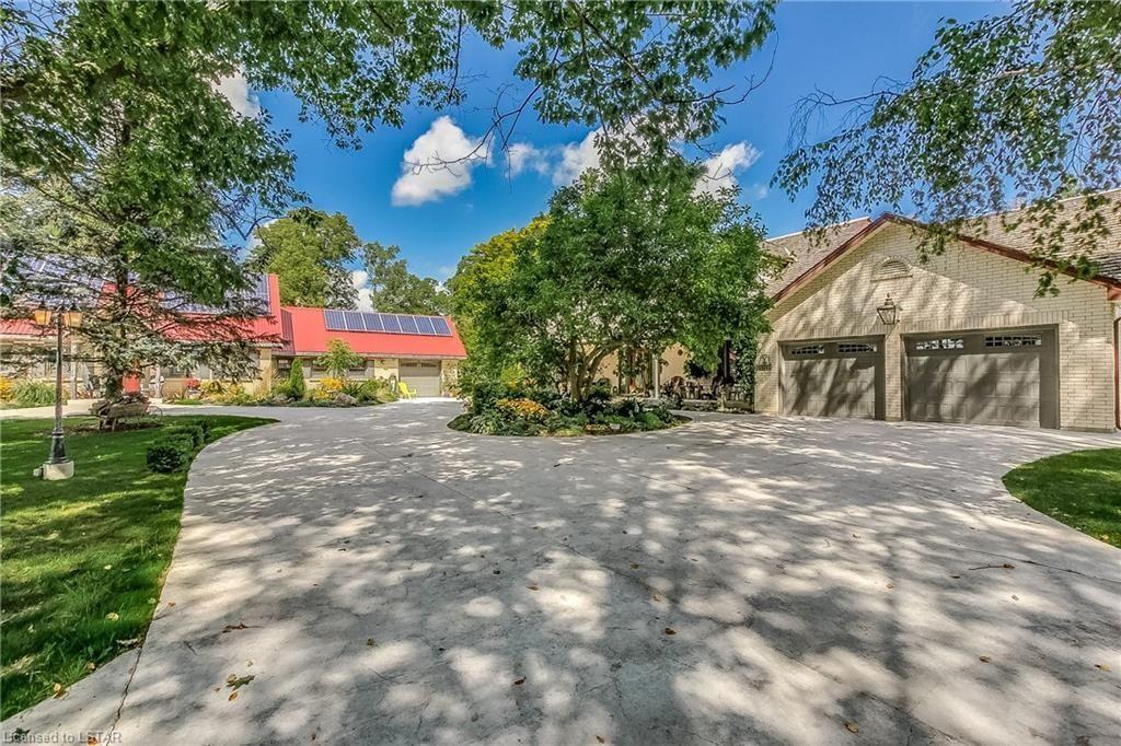 Main Photo: 14448 Nine Mile Road in Ilderton: House for sale : MLS®# 221144