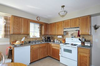 Photo 3: 22116 CANUCK Crescent in Maple Ridge: West Central House for sale : MLS®# R2061368