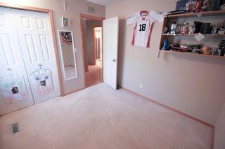 Photo 13: Great 3 bedroom, 1400 sqft, family home in great area of Kildonan Estates!