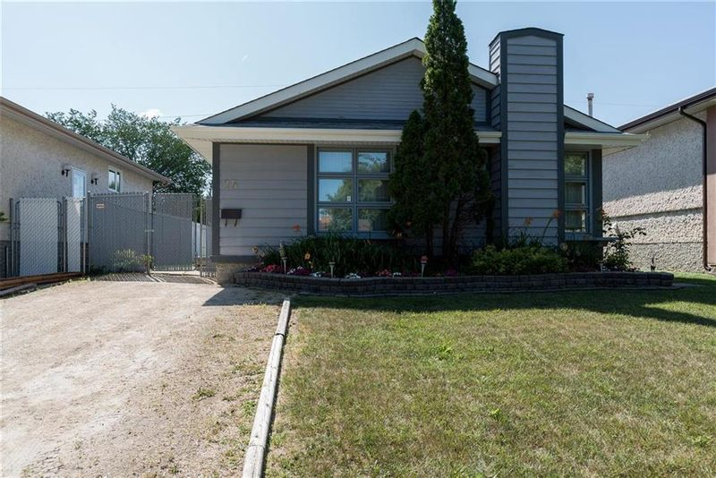 FEATURED LISTING: 15 Cambie Road Winnipeg