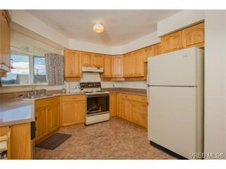Photo 5: 2318 Francis View Dr in VICTORIA: VR View Royal House for sale (View Royal)  : MLS®# 686679