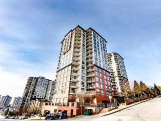 """Photo 1: 803 813 AGNES Street in New Westminster: Downtown NW Condo for sale in """"The News"""" : MLS®# R2435309"""