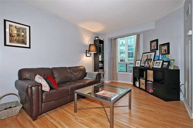 Photo 7: Photos: 808 109 E Front Street in Toronto: Moss Park Condo for lease (Toronto C08)  : MLS®# C3362918