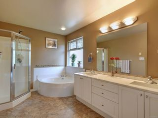 Photo 11: 2288 Selwyn Rd in Langford: La Thetis Heights House for sale : MLS®# 886611