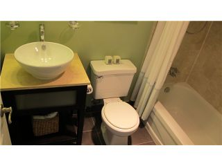 """Photo 8: 306 2142 CAROLINA Street in Vancouver: Mount Pleasant VE Condo for sale in """"WOOD DALE - MT PLEASANT"""" (Vancouver East)  : MLS®# V972400"""