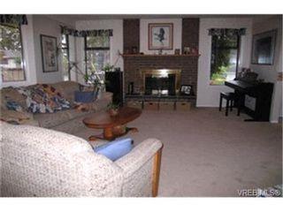 Photo 4:  in VICTORIA: SE High Quadra House for sale (Saanich East)  : MLS®# 379913