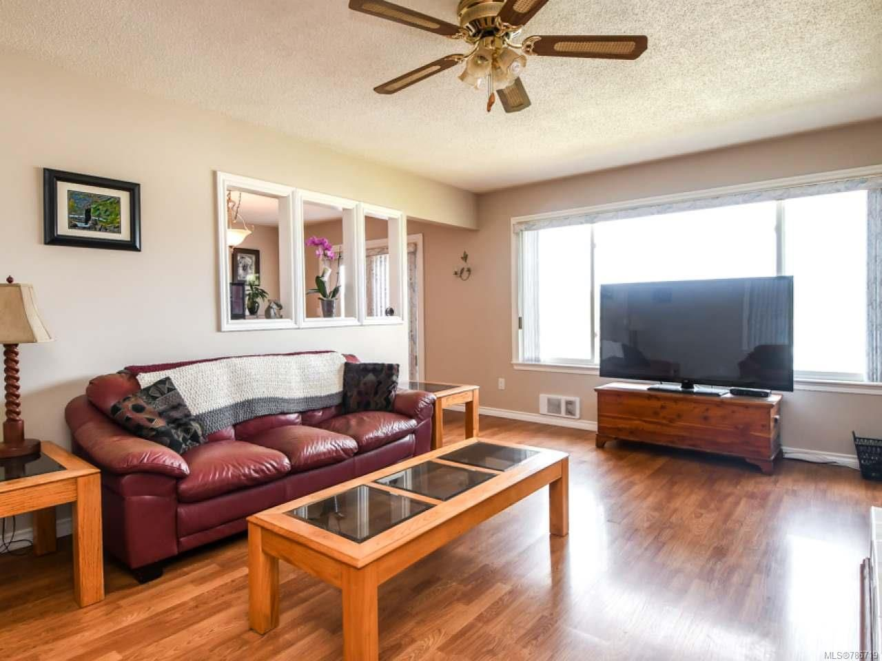 Photo 10: Photos: 1234 Denis Rd in CAMPBELL RIVER: CR Campbell River Central House for sale (Campbell River)  : MLS®# 786719