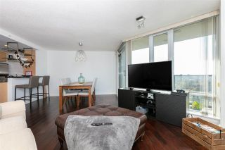 """Photo 6: 3002 583 BEACH Crescent in Vancouver: Yaletown Condo for sale in """"PARK WEST II"""" (Vancouver West)  : MLS®# R2577969"""