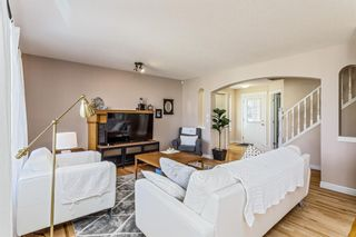 Photo 5: 403 Cresthaven Place SW in Calgary: Crestmont Detached for sale : MLS®# A1101829