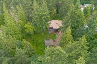 Photo 2: 3322 Fulton Rd in Colwood: Co Triangle House for sale : MLS®# 842394