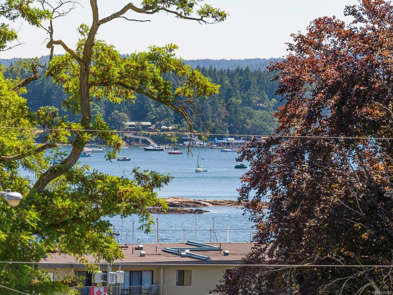 FEATURED LISTING: 302 - 220 Townsite Rd