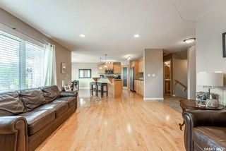 Photo 8: 122 Maguire Court in Saskatoon: Willowgrove Residential for sale : MLS®# SK866682