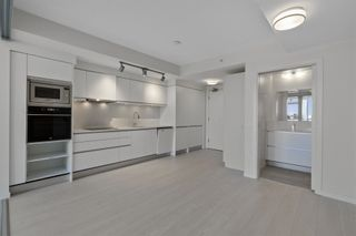 Photo 4: 820 180 E 2ND Avenue in Vancouver: Mount Pleasant VE Condo for sale (Vancouver East)  : MLS®# R2603932