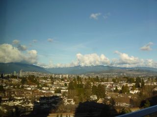 """Photo 9: 1803 5665 BOUNDARY Road in Vancouver: Collingwood VE Condo for sale in """"Wall Centre"""" (Vancouver East)  : MLS®# R2625088"""