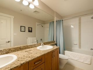 """Photo 15: 307 2601 WHITELEY Court in North Vancouver: Lynn Valley Condo for sale in """"BRANCHES"""" : MLS®# R2542449"""