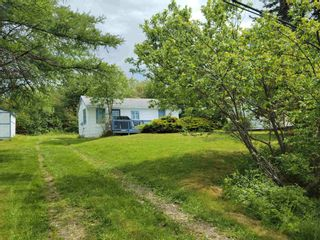 Photo 4: 7329 East Bay Highway in Big Pond: 207-C. B. County Residential for sale (Cape Breton)  : MLS®# 202122939