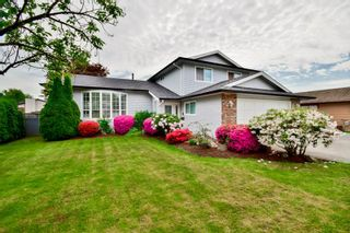 Photo 2: 14776 87A Avenue in Surrey: Bear Creek Green Timbers House for sale : MLS®# R2062304