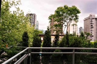 """Photo 5: 304 1688 ROBSON Street in Vancouver: West End VW Condo for sale in """"Pacific Robson Palais"""" (Vancouver West)  : MLS®# R2580649"""