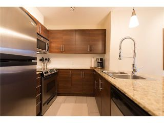 """Photo 1: 401 814 ROYAL Avenue in New Westminster: Downtown NW Condo for sale in """"NEWS NORTH"""" : MLS®# V1036016"""