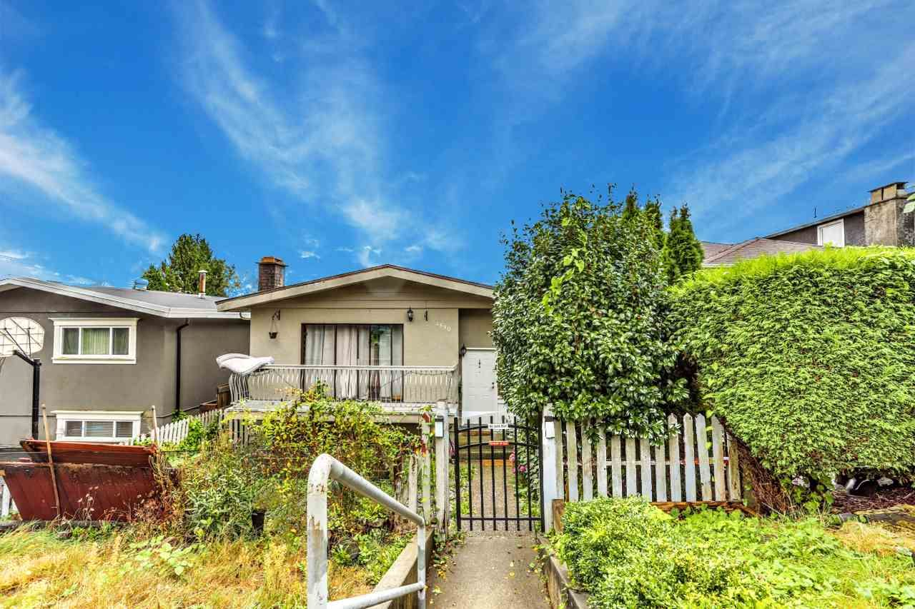 Main Photo: 4890 UNION Street in Burnaby: Brentwood Park House for sale (Burnaby North)  : MLS®# R2501343