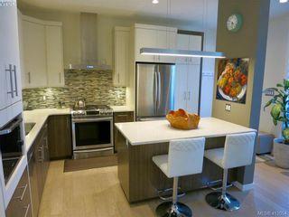 Photo 2: 490 South Joffre St in VICTORIA: Es Saxe Point Half Duplex for sale (Esquimalt)  : MLS®# 816980