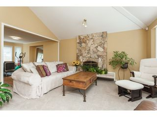 Photo 3: 6272 186A Street in Surrey: Cloverdale BC House for sale (Cloverdale)  : MLS®# R2405583